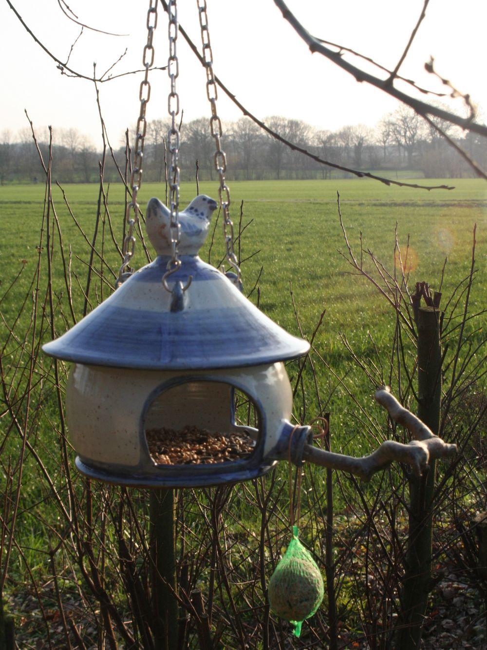 Vogeltränken, Vogelbäder, Vogelhäuser - Töpferei Atelier S