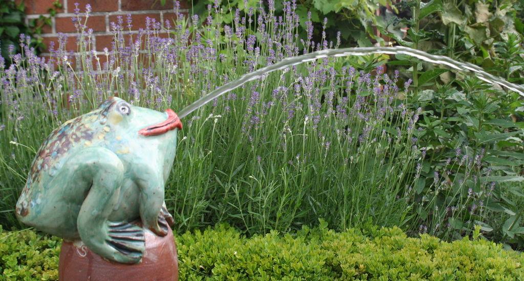 Gartenkeramik handgetöpfert