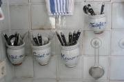 Küchenfliesen Bestecktöpfe weiß-blau